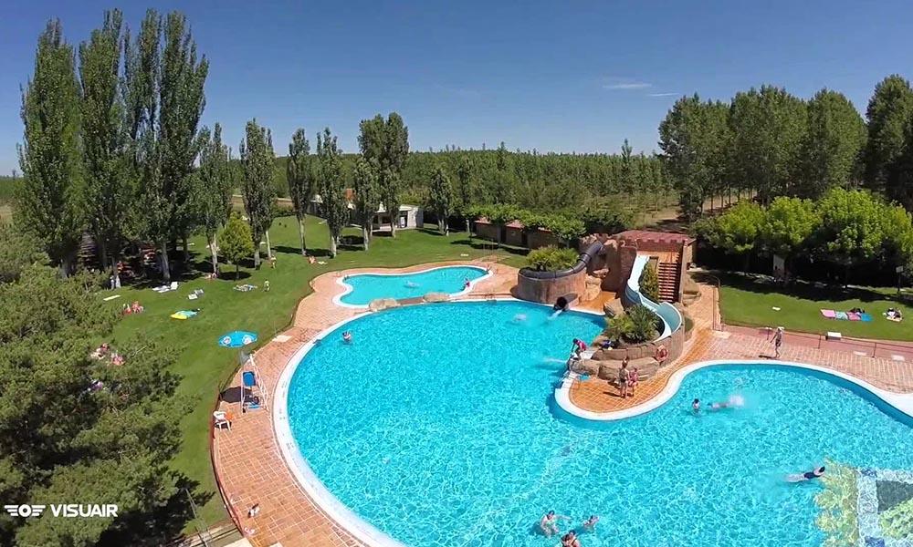 El ayuntamiento de valencia de don juan oferta 57 plazas for Horario piscinas valencia de don juan